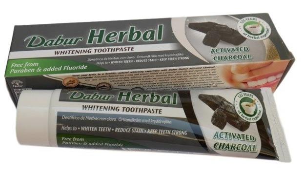 Dabur Herbal Activated Charocal Pasta do zębów z aktywnym węglem 100ml