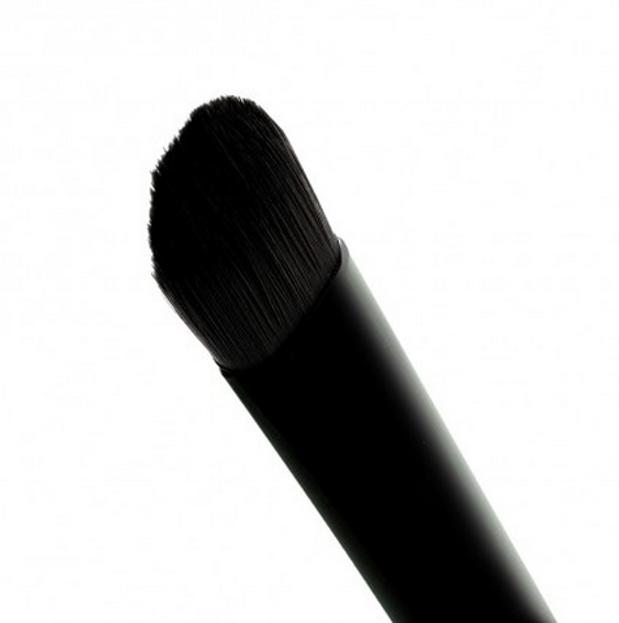 Makeup Revolution Pro F102 Concealer Brush - Pędzelek do korektora
